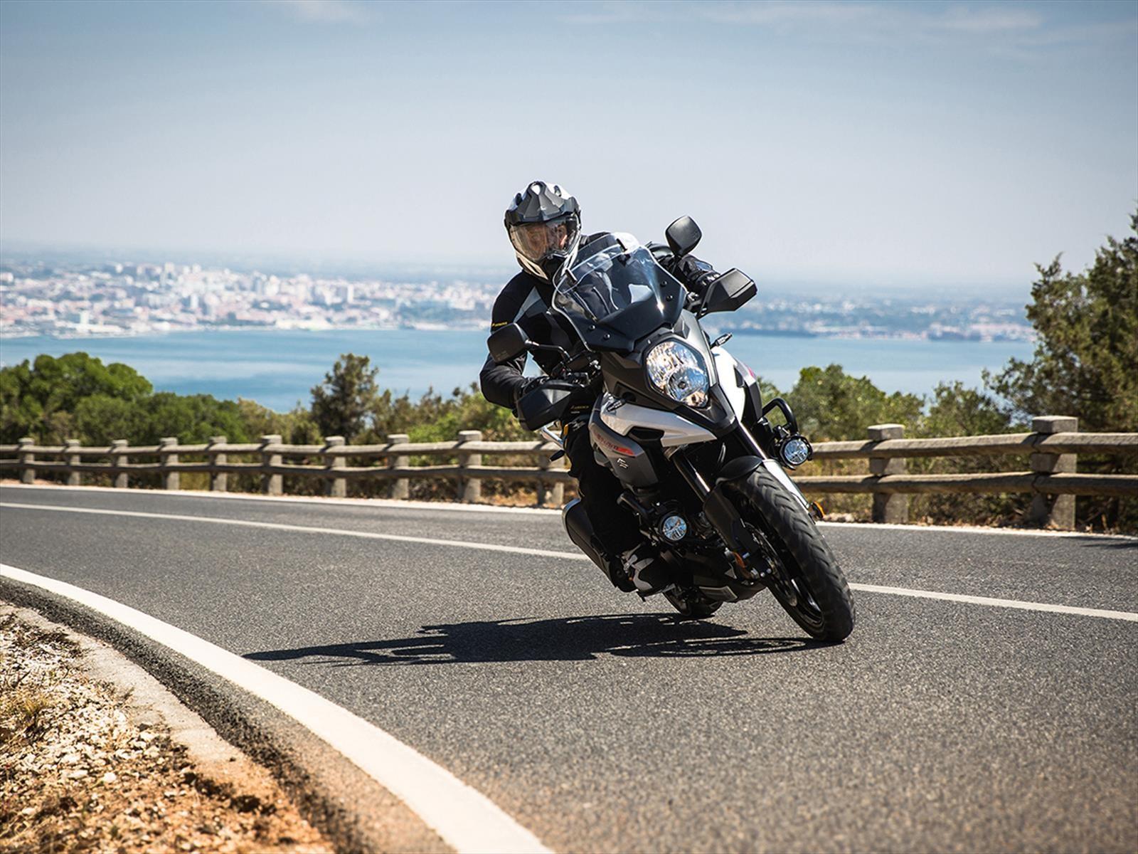 Novedades gama alta suzuki motos chile