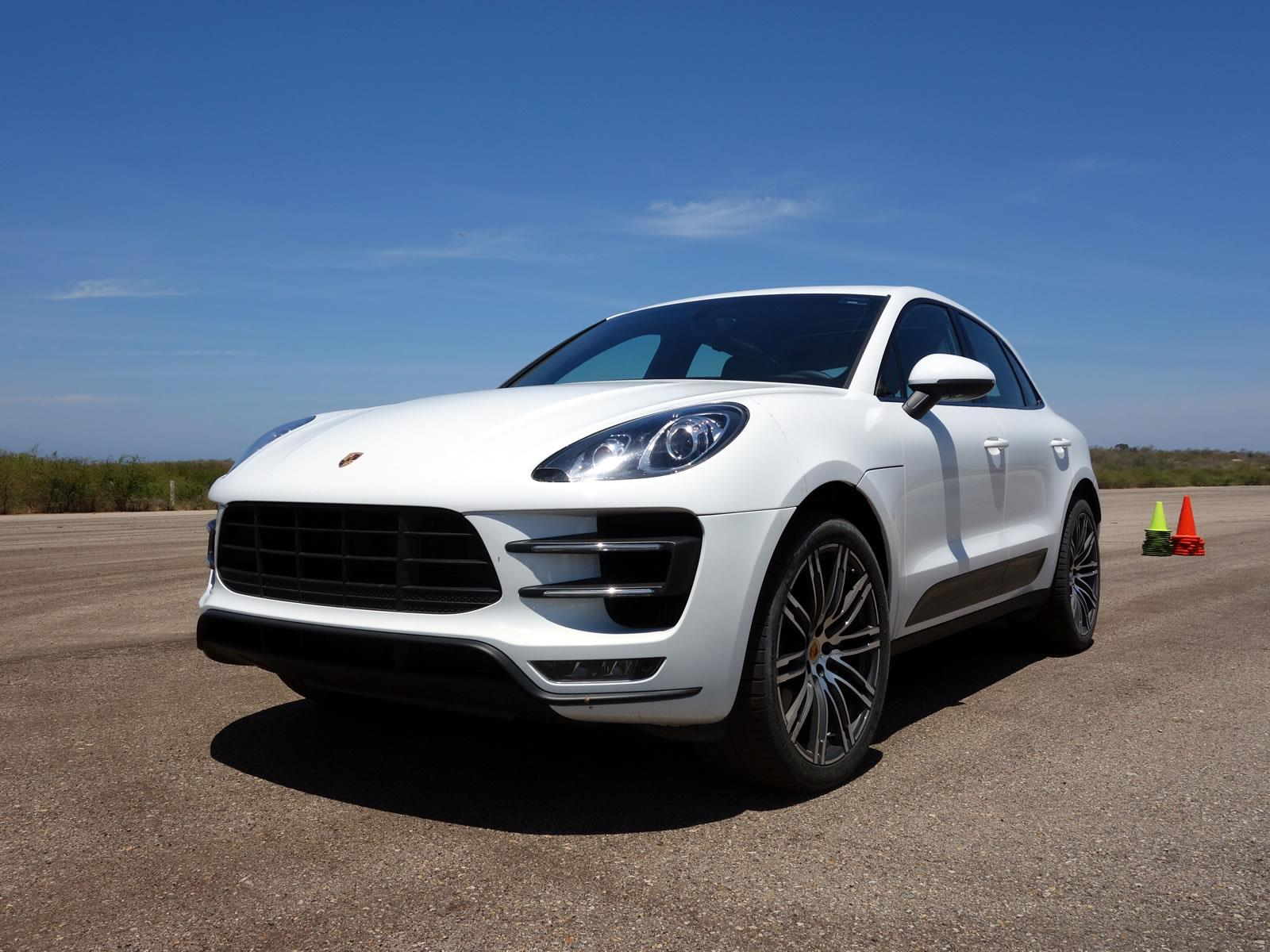 porsche cayenne vs macan with Porsche Macan 2015 A Prueba on Porsche Macan Turbo 2017 Long Term Test Review moreover Awe Tuning Porsche 991 Turbo Performance Exhaust furthermore 2017 Porsche Cayenne Dimensions likewise 2015 likewise Premieres Impressions Porsche Panamera 4 E Hybrid 2018.