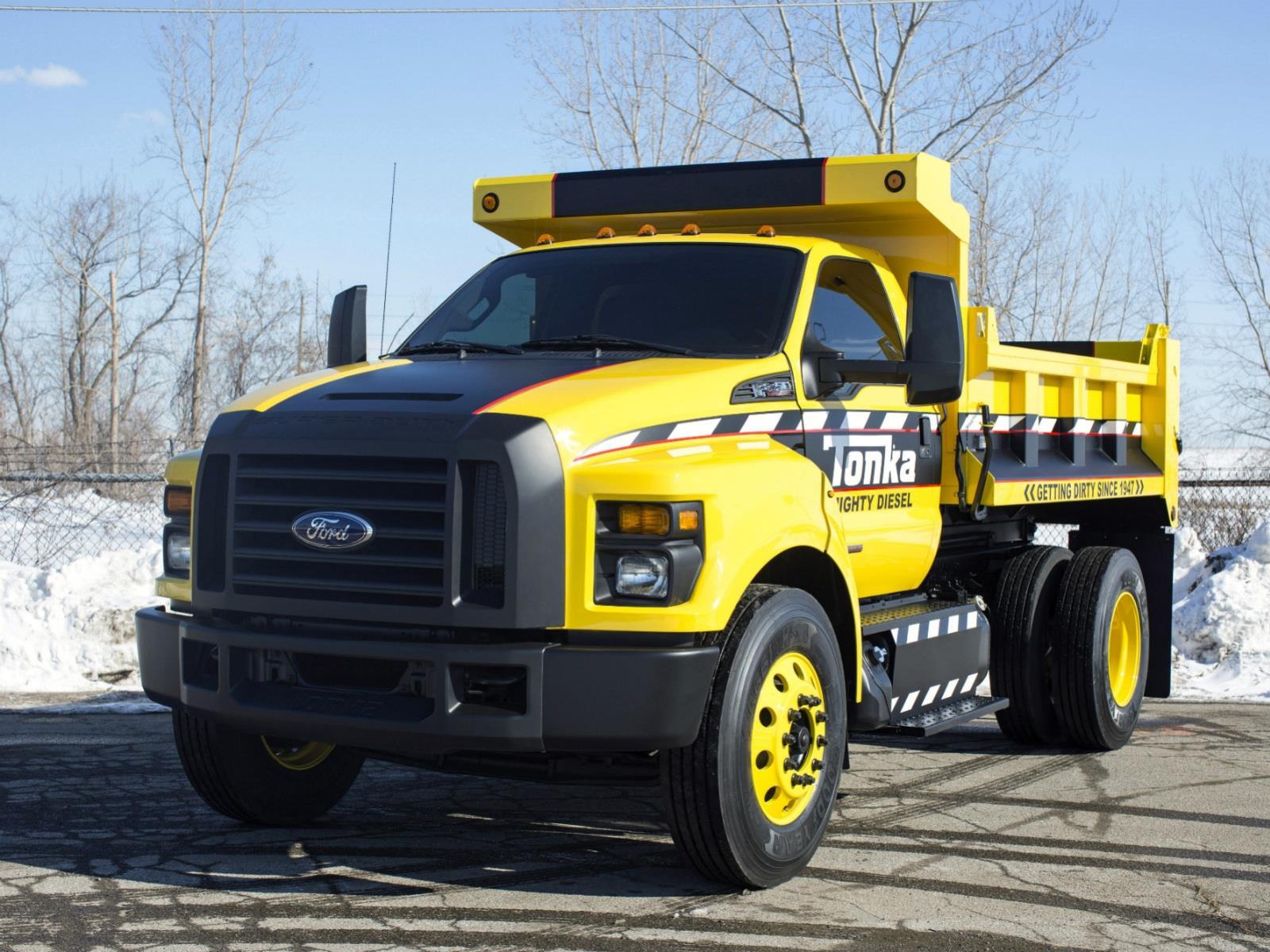 Ford crea un cami n tonka de tama o real for Camiones ford interior