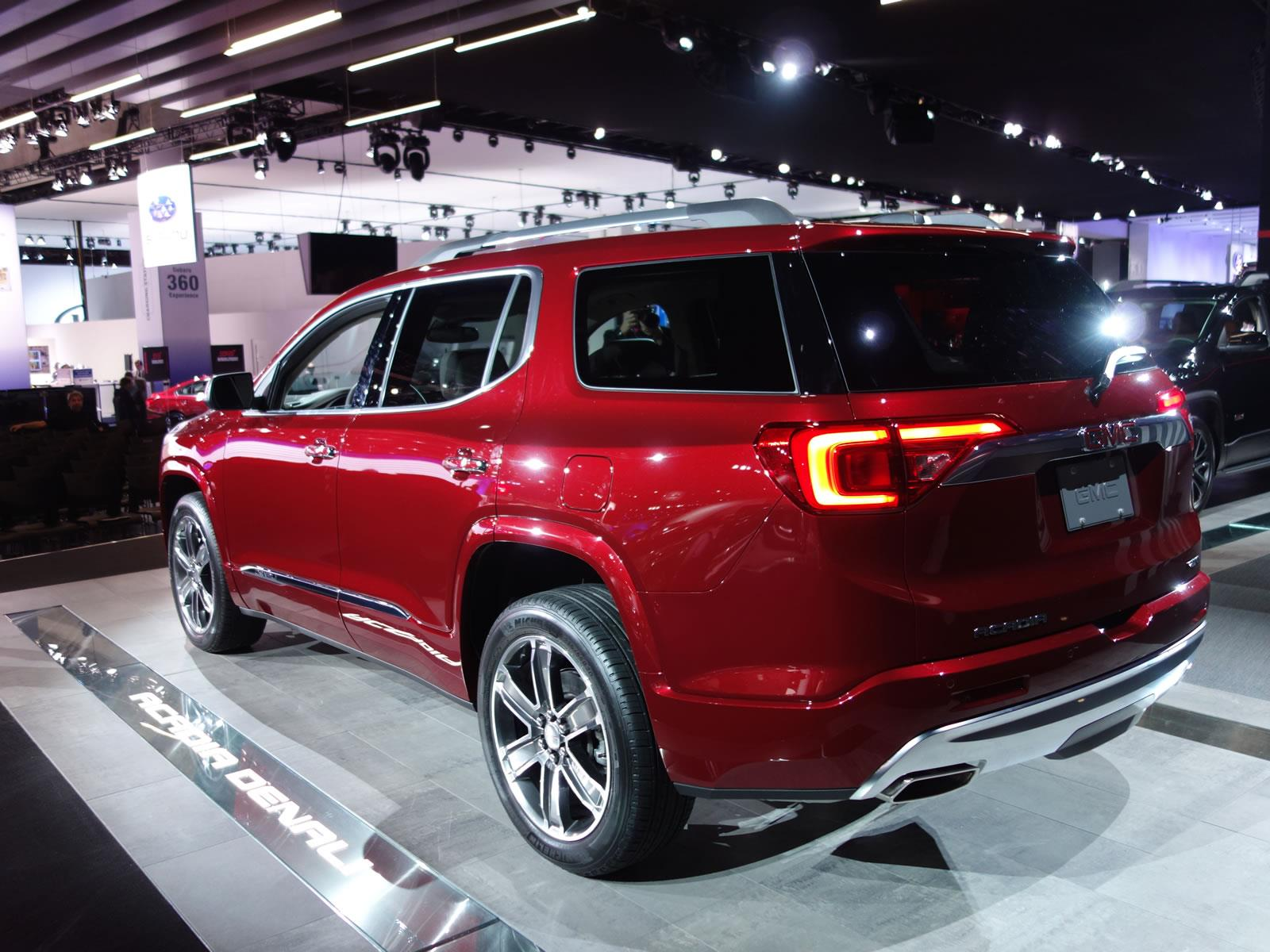autoshow de detroit 2016 gmc acadia 2017 ahora es 317 kilos m s ligera noticias novedades. Black Bedroom Furniture Sets. Home Design Ideas