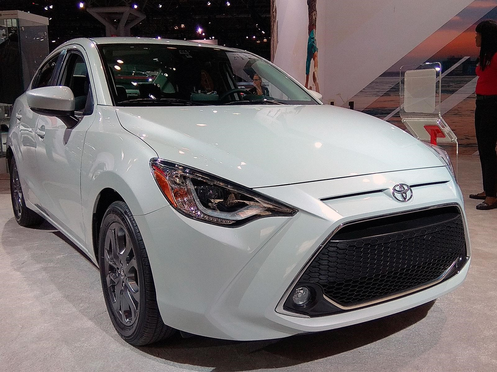 auto show de nueva york 2018 toyota yaris r 2019 recibe una ligera actualizaci n noticias. Black Bedroom Furniture Sets. Home Design Ideas