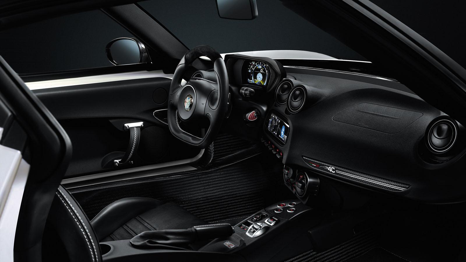 """Alfa Romeo 4C Elegido Como El """"Auto Playboy Del Año 2014"""