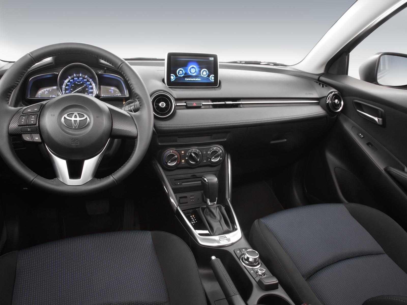 Manejamos El Toyota Yaris R 2016 Autocosmos Com