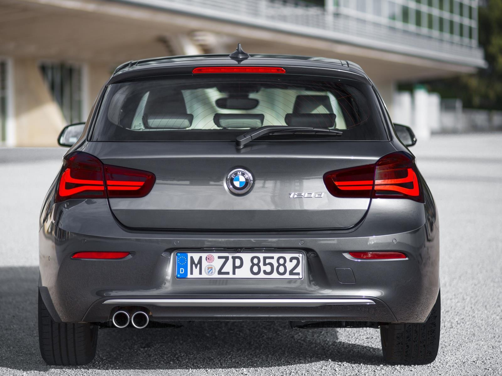 Bmw serie 1 2016 ahora m s atractivo y eficiente for 1 5 dimensioni del garage