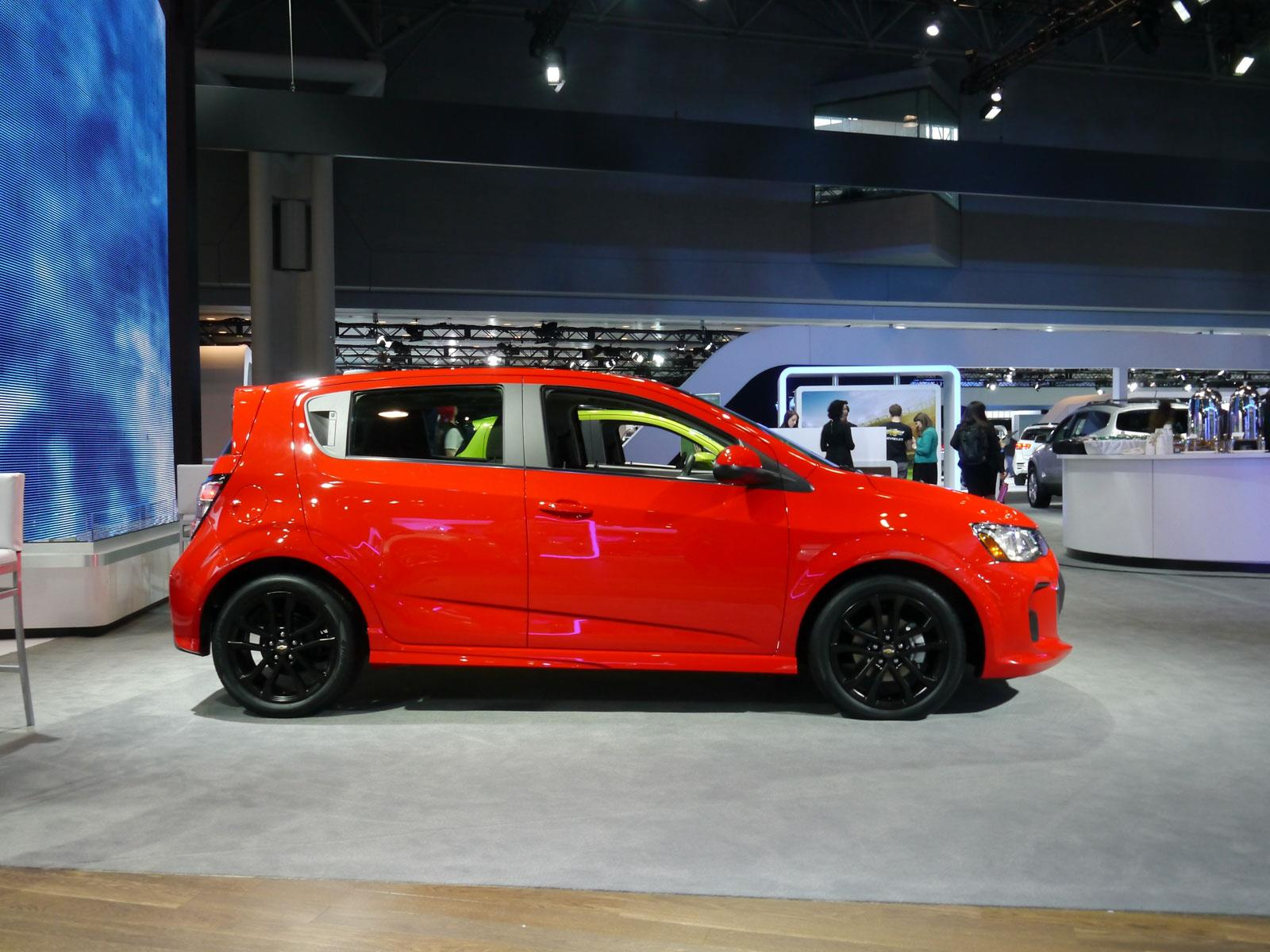 chevrolet sonic 2017 se actualiza y recibe m s tecnolog a. Black Bedroom Furniture Sets. Home Design Ideas