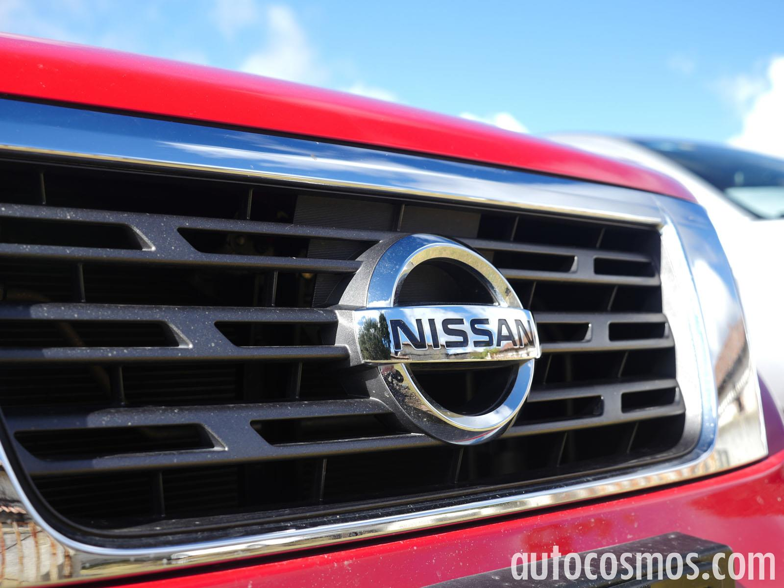 Comparativa nissan np300 vs toyota hilux vs mitsubishi for Mitsubishi motors near me