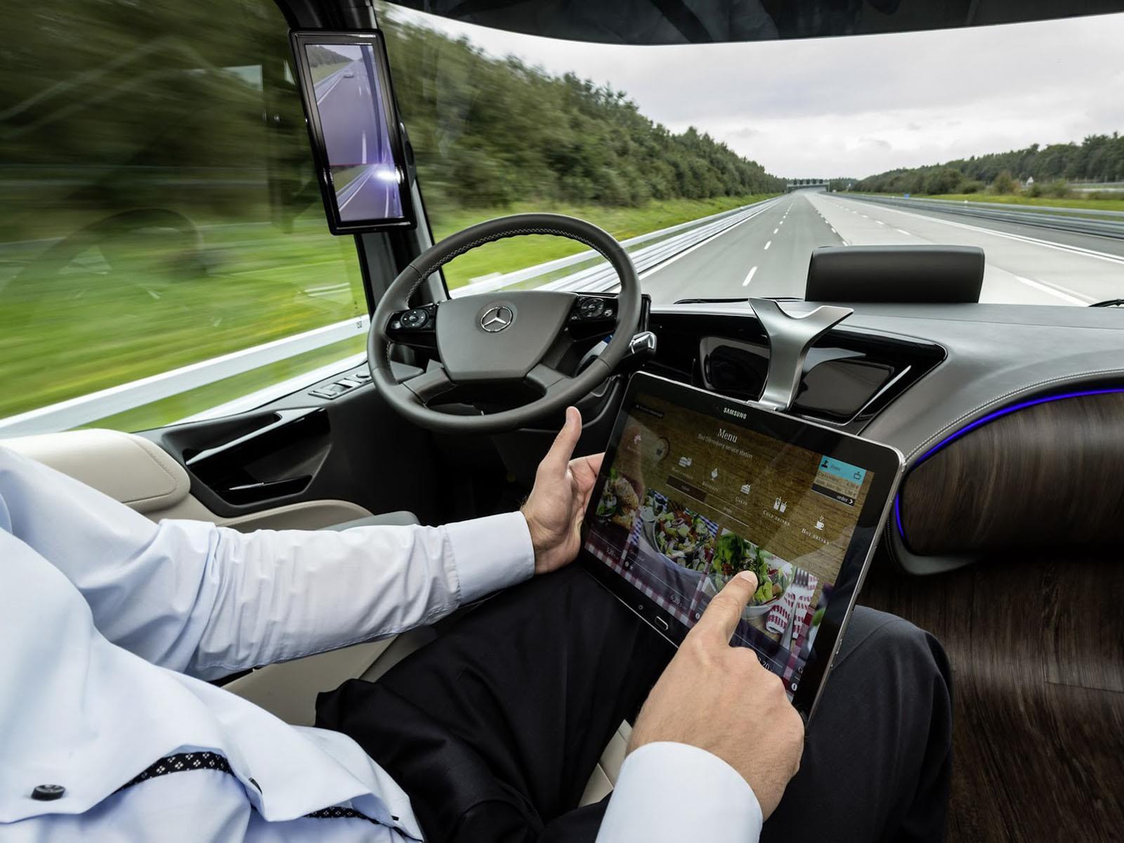 Mercedes Benz Future Truck 2025 Concept Un Trailer De