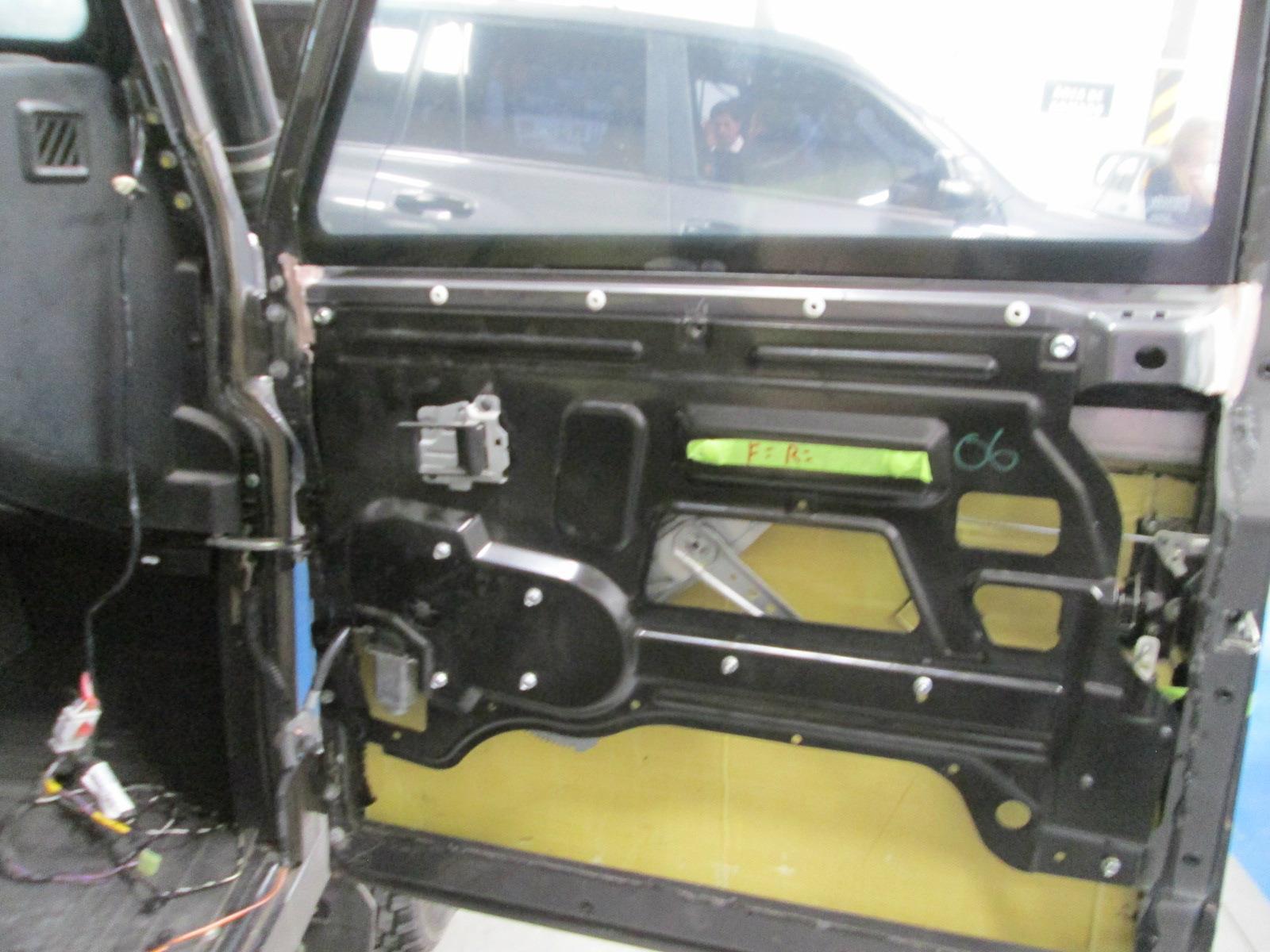 blindajes protec car ltda y jaguar land rover se unen para darle un carro m s seguro a sus. Black Bedroom Furniture Sets. Home Design Ideas