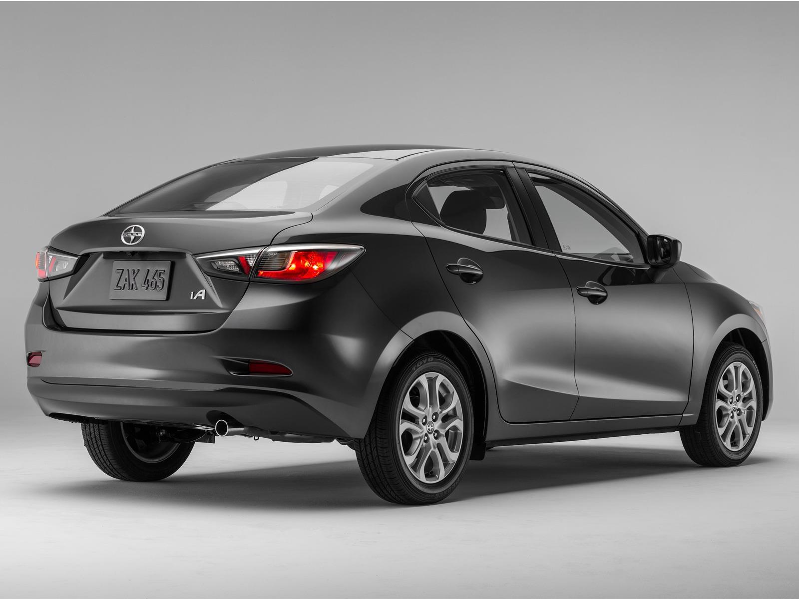 Toyota Yaris R inicia producción en México - Autocosmos.com
