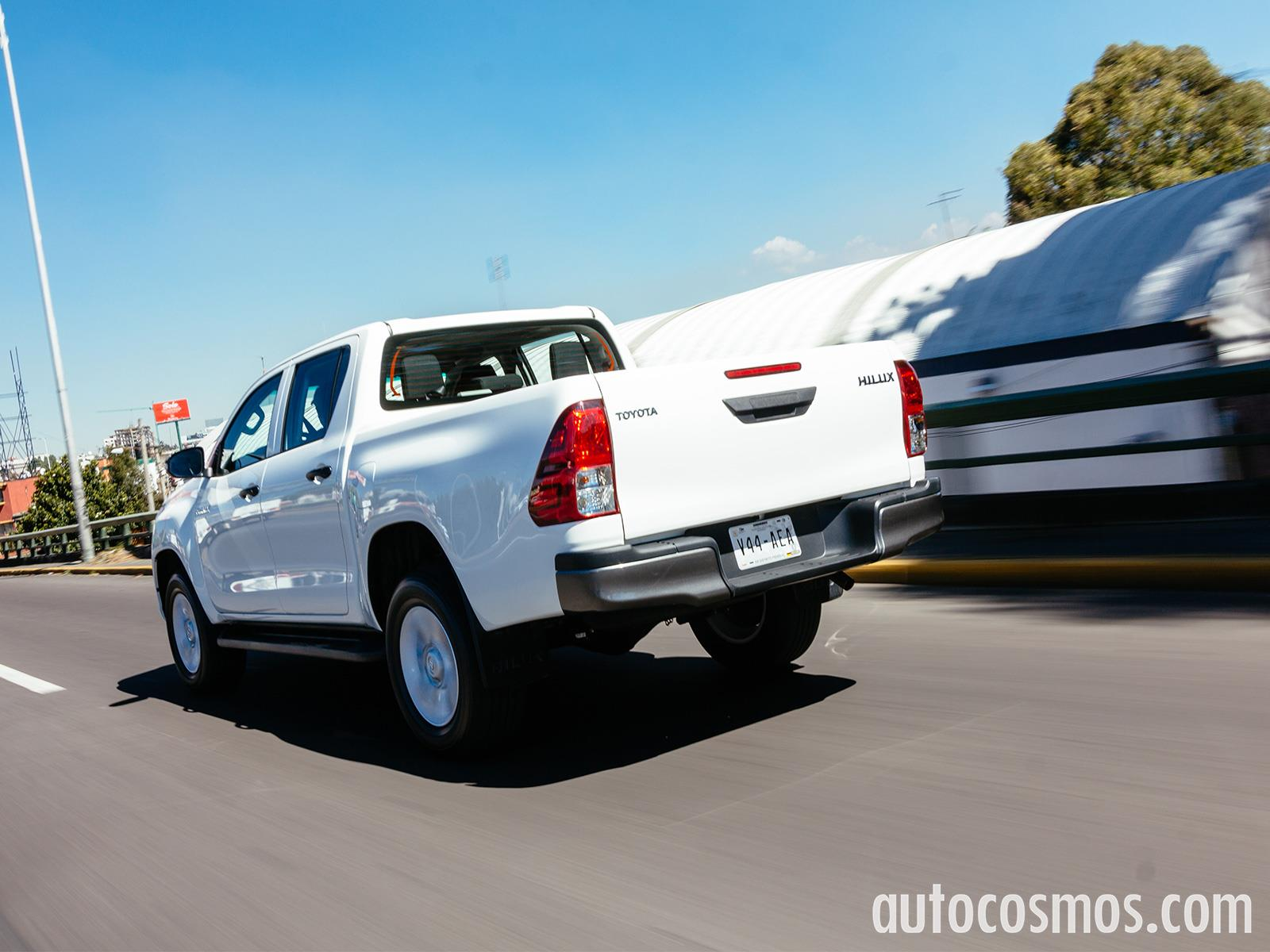 Toyota Hilux 2016 llega a México desde $251,900 pesos - Autocosmos.com