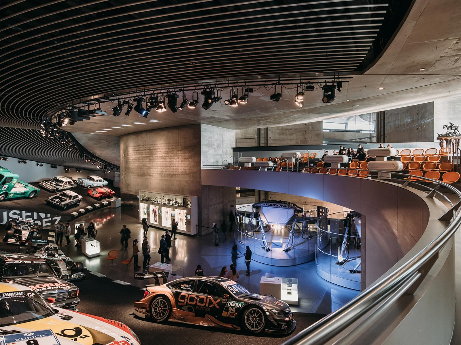 Museo mercedes benz donde revives la historia del for Mercedes benz factory in alabama