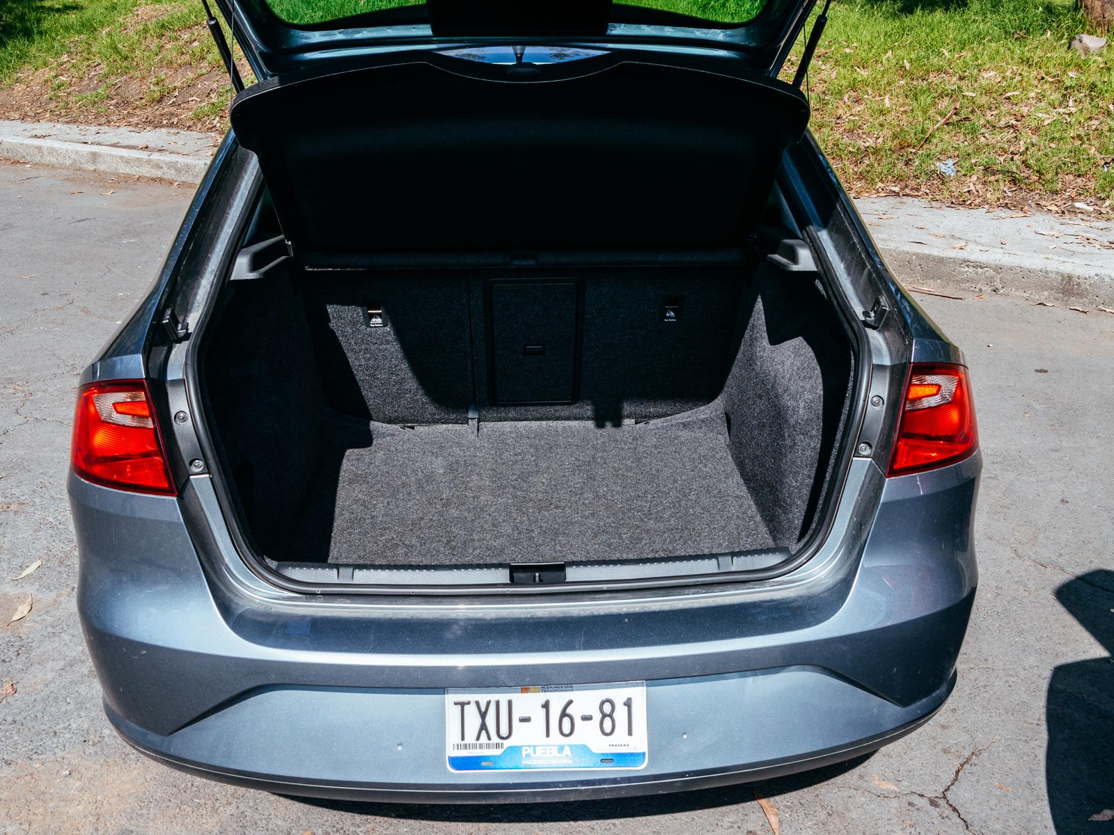 Comparativa: Nissan Versa vs SEAT Toledo - Autocosmos.com