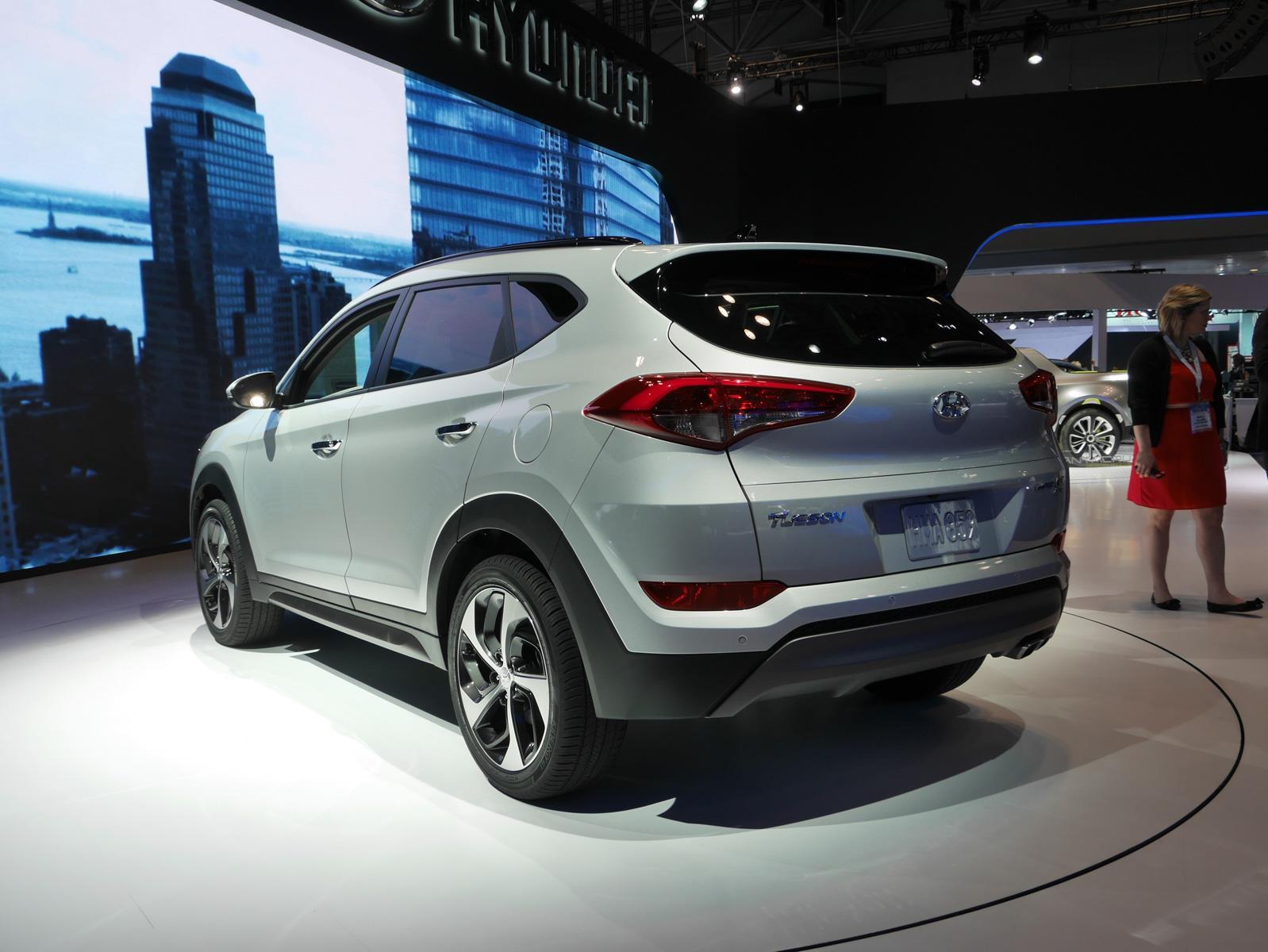 Hyundai Tucson 2016 tiene un precio inicial de  22,700 dólares ... 5498bb18ae