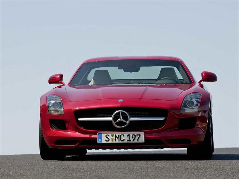 Mercedes Benz SLS AMG Gullwing