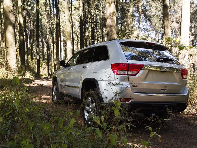 Grand Cherokee Overland 4x4 V8 HEMI 2011