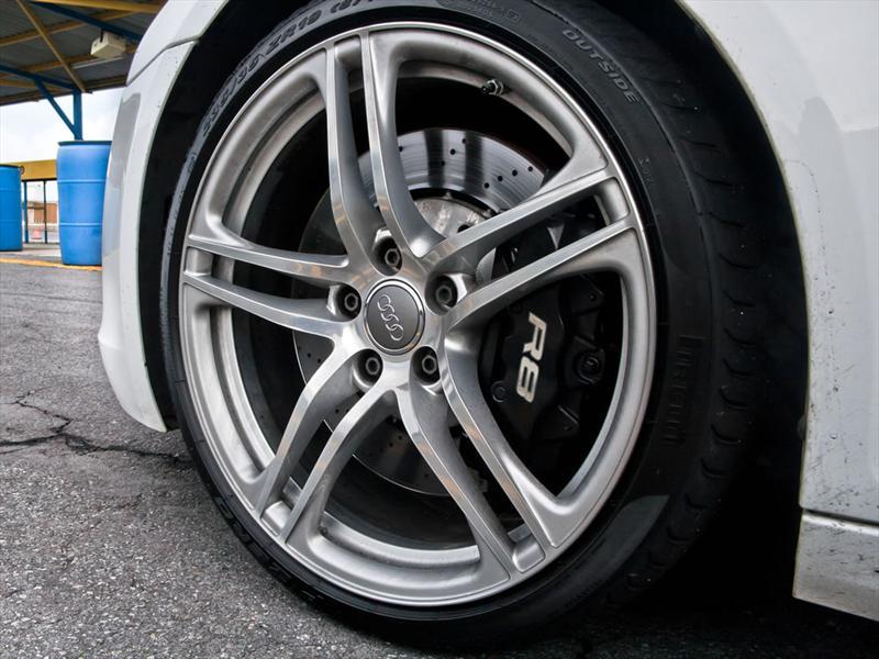 Audi R8 V10 2011