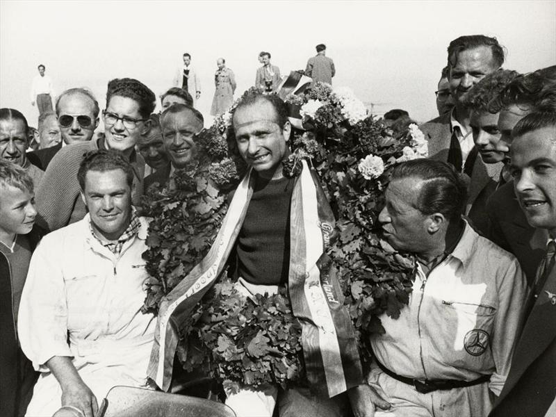Fangio 100 años de leyenda