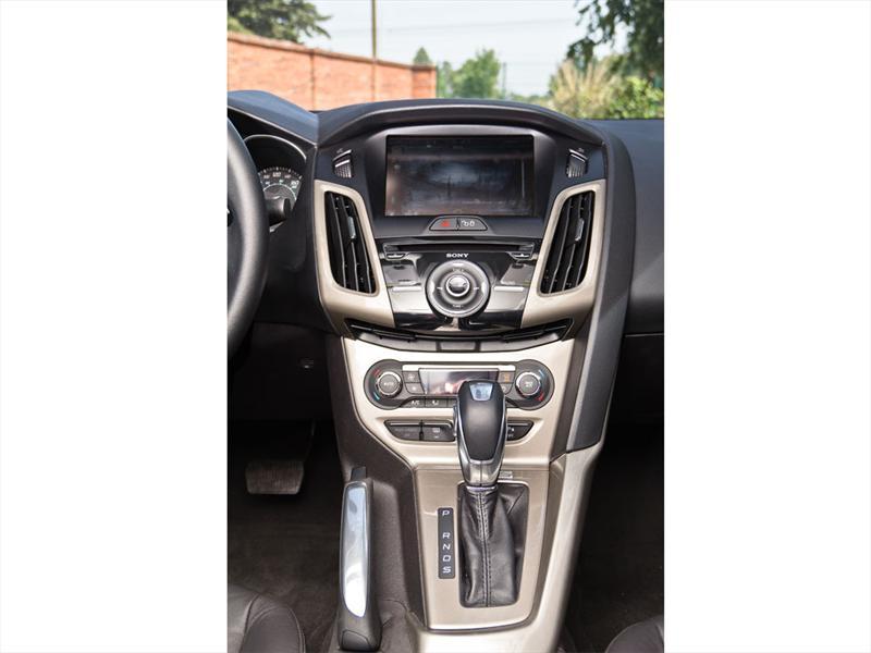 Ford Focus SEL Plus 2012