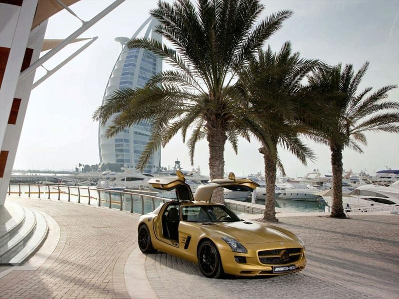 SLS AMG Gold Desert