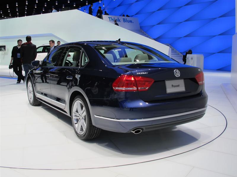 Volkswagen Passat EU 2012 en Detroit 2011