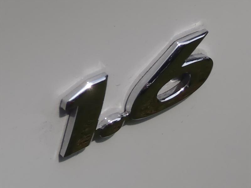 Hyundai Accent 2012 primer contacto.