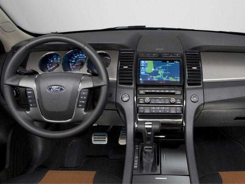 Ford Taurus SHO 2010 9