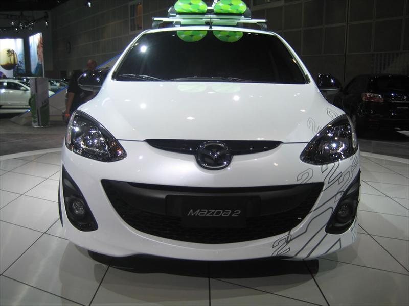 Mazda 2 2011 en Los Ángeles 2009