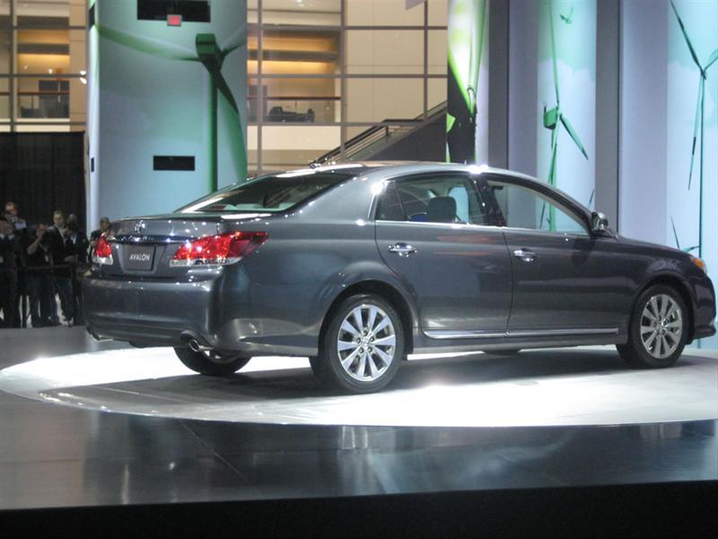 Toyota Avalon 2011 en Chicago 2010
