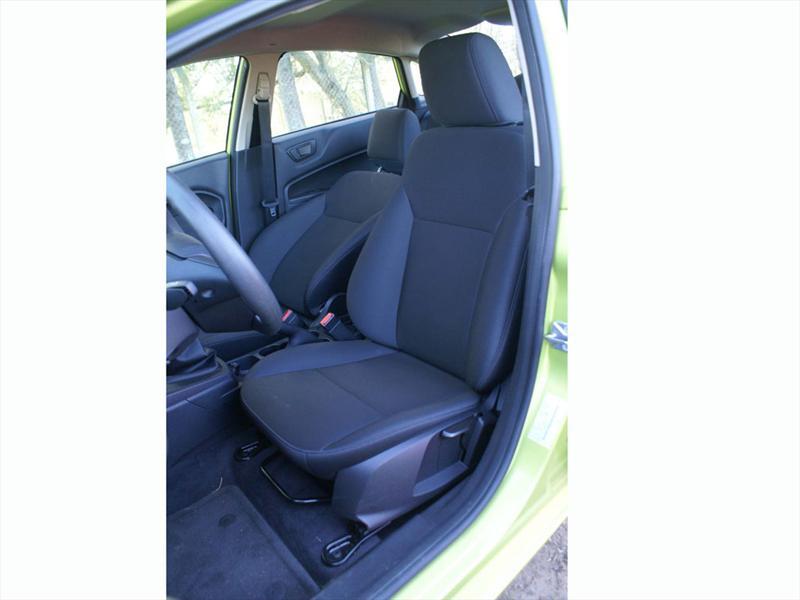 Ford Fiesta KD Sedan a prueba