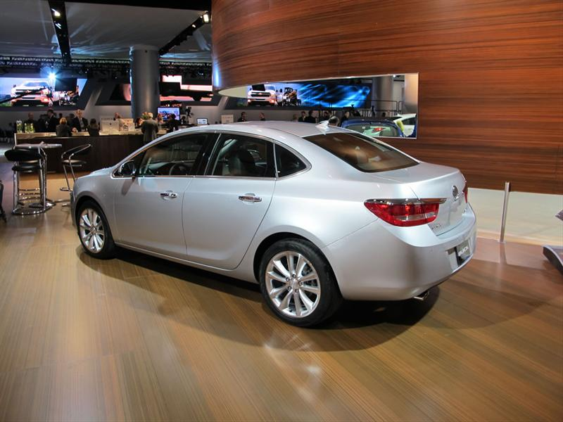 Buick Verano 2012 en el Salón de Detroit