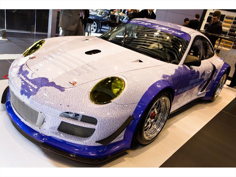 Porsche 911 GT3 R Hybrid Facebook NY