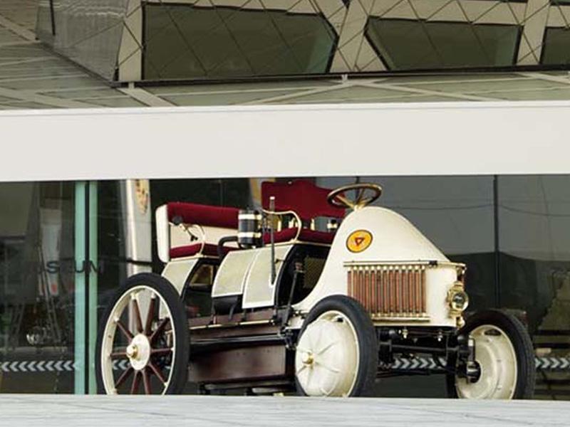 Semper Vivus Lohner-Porsche 1899