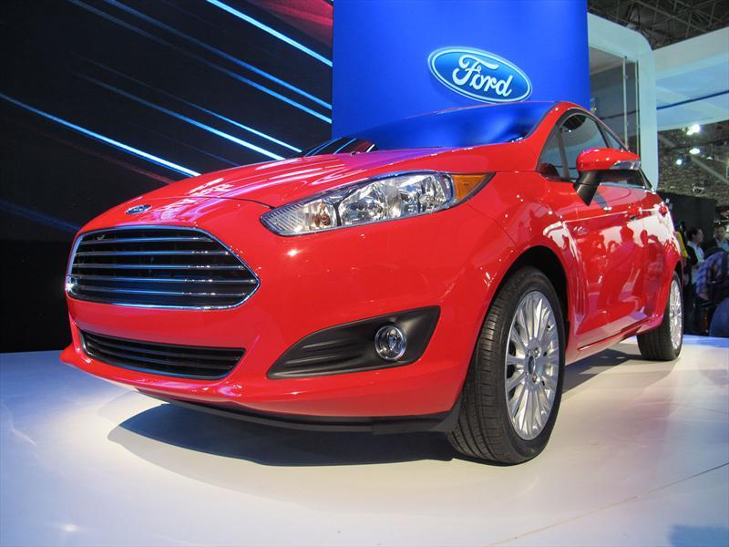 Nuevo Ford Fiesta Sedán en el Salón de San Pablo