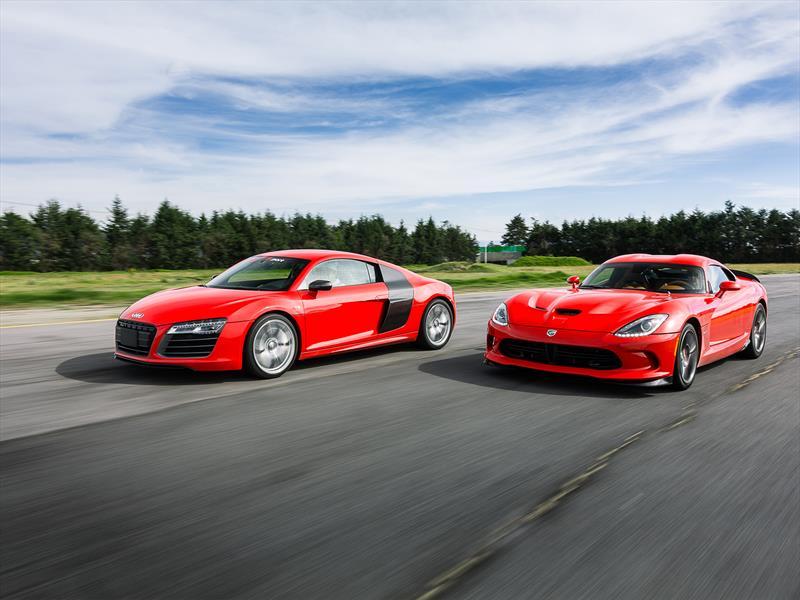 Audi R8 V10 vs SRT Viper GTS