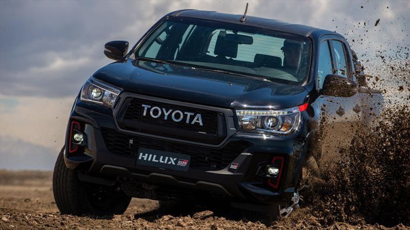 Toyota Hilux GRS V6