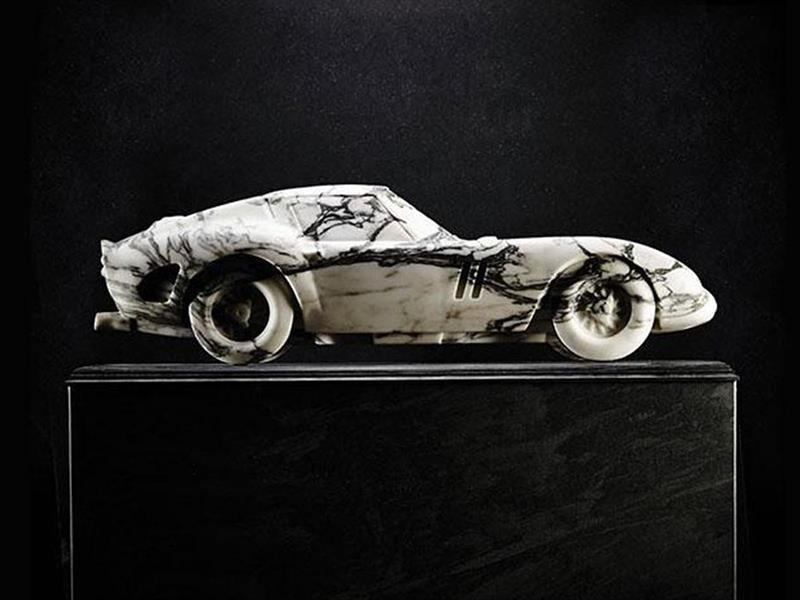 Una Ferrari 250 GTO hecha en mármol
