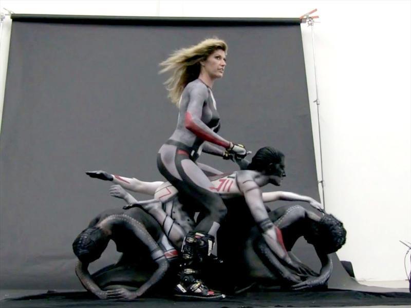 El backstage de las motos humanas