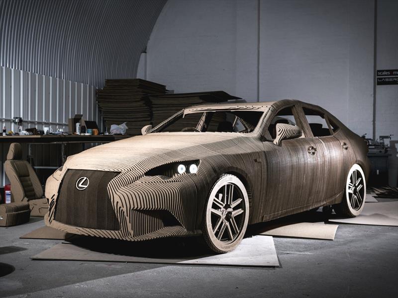 Lexus IS Origami, un auto hecho de cartón
