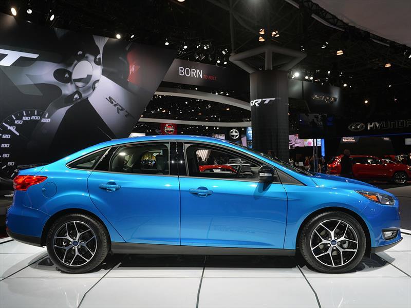 Ford Focus sedán