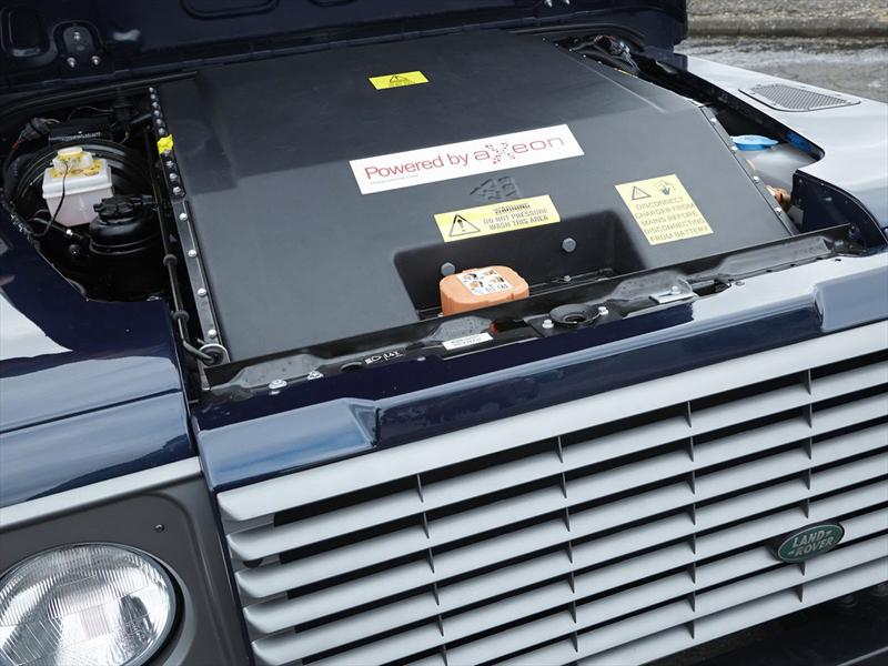 Land Rover Defender EV