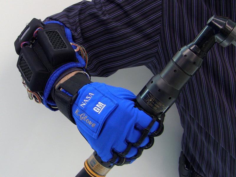 GM y su Robo-Glove