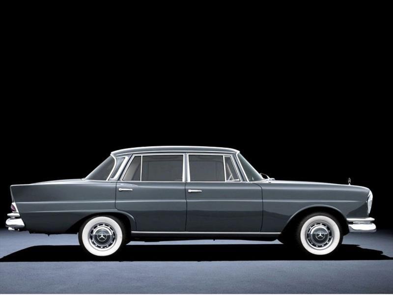Mercedes-Benz W111 (1959)