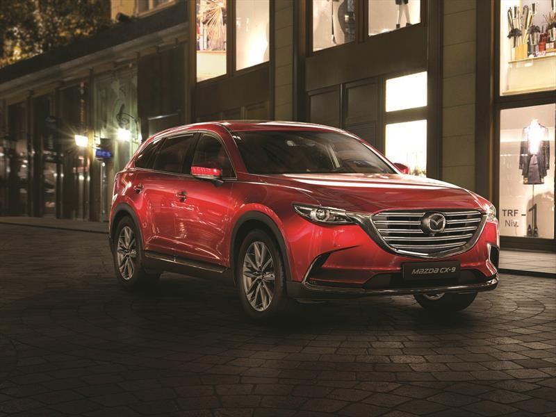 Mazda CX-9 Grand Touring Signature