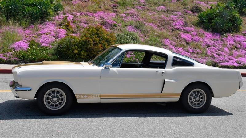 Mustang Shelby GT350H 1966 por Bring a Trailer