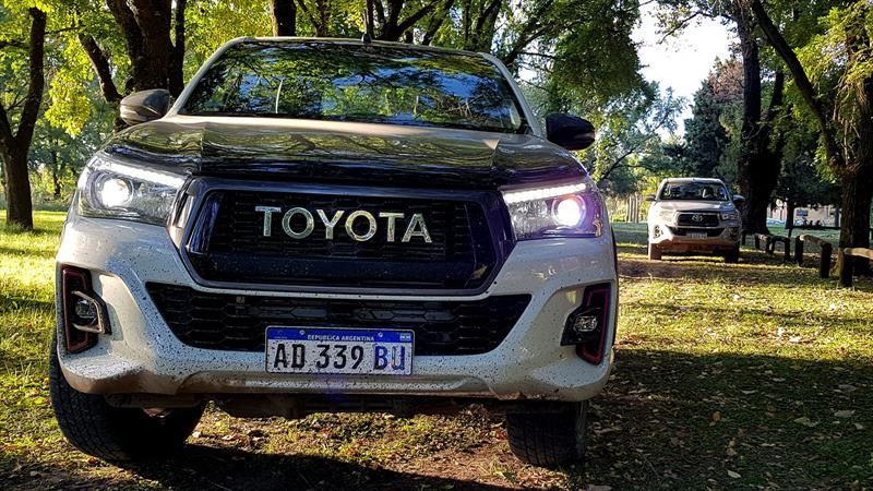 Toyota Hilux GR S