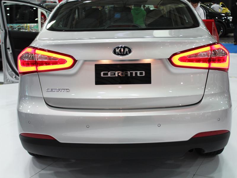 Nuevo Kia Cerato 2013 en el Salón del Automóvil