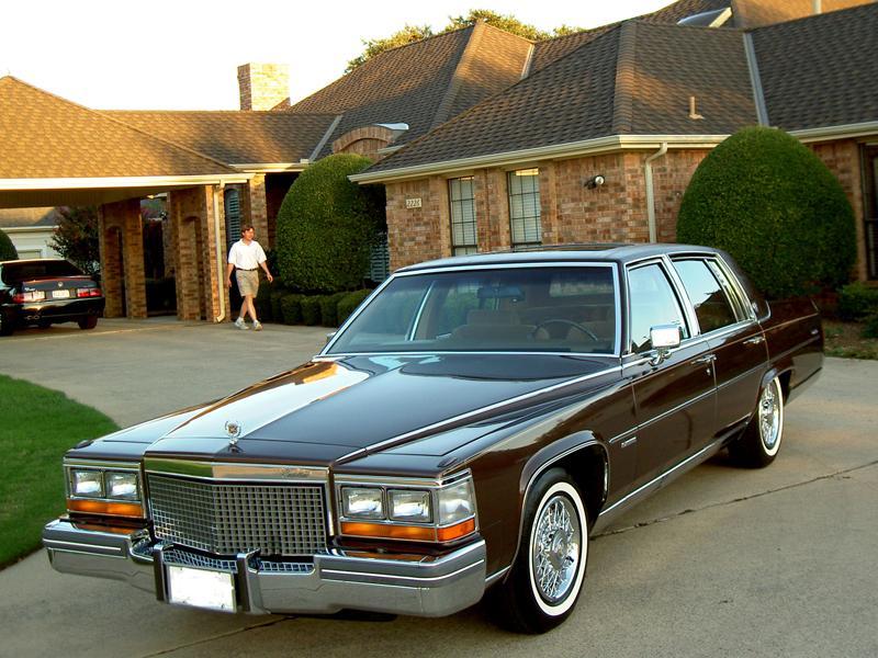 Top 10: Cadillac Fleetwood Brougham 8-6-4