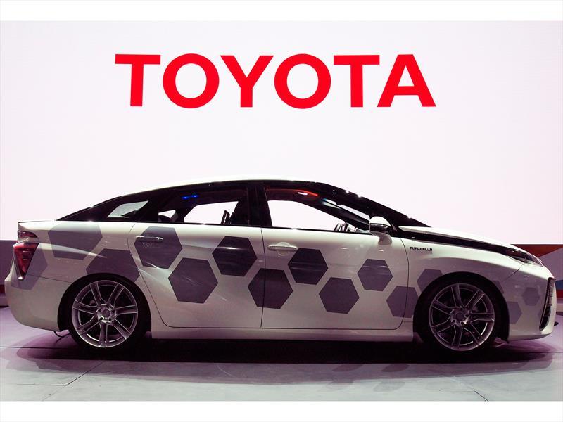Toyota Kymeta Mirai