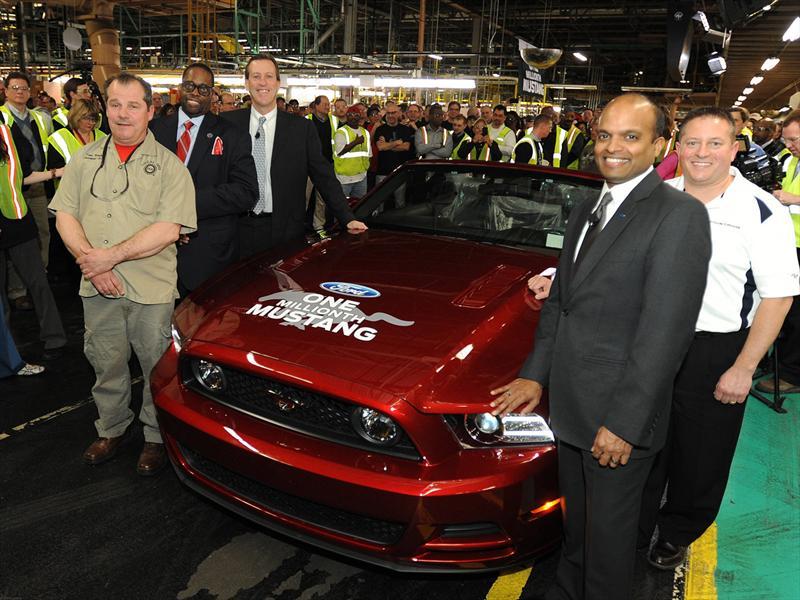 Ford Mustang un millón