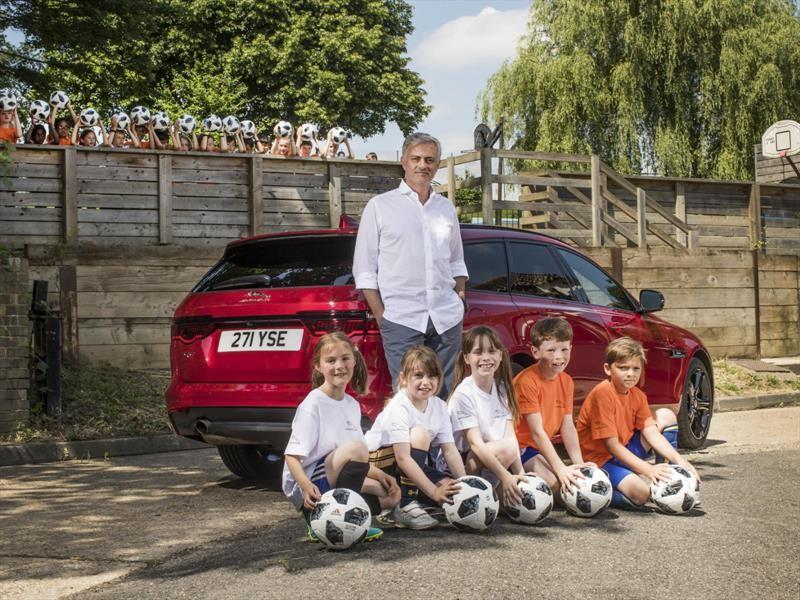 Jaguar y Mourinho, a clases